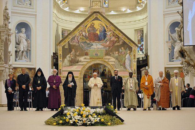 Svjetski religijski lideri saglasni da služe istom Bogu
